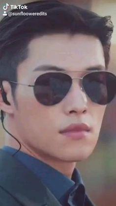 Korean Male Actors, Handsome Korean Actors, Korean Celebrities, Asian Actors, Korean Actresses, Korean Drama Best, Korean Drama Funny, Korean Drama Movies, Lee Hyun Woo