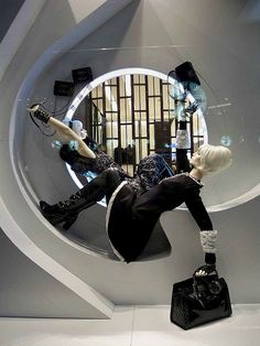 VM | Window Visual Merchandising | VM | Window Display | Chanel '60s Future, pinned by Ton van der Veer