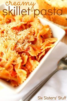 This Creamy Skillet Pasta from SixSistersStuff.com makes an easy and delicious dinner! #sixsistersstuff