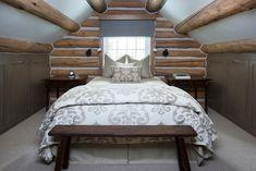 19 Magical Rustic Bedroom Interior Designs That Will Relax You Rustic Cafe, Rustic Restaurant, Rustic Logo, Vail Colorado, Rustic Doors, Rustic Desk, Bedroom Rustic, Rustic Shelves, Rustic Signs