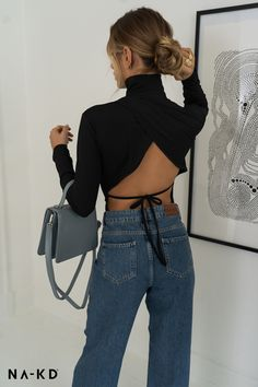 Need some extra inspiration for a trendy wardrobe? NA-KD.com ❤️ Mode Outfits, Fashion Outfits, Fashion Tips, Kleidung Design, Best Leather Jackets, Espadrilles Outfit, Fashion Beauty, Fashion Looks, Look Vintage