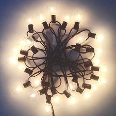 Black string light / Medium light bulbs