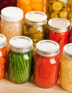 Canning Tips, Home Canning, Canning Recipes, Canning Food Preservation, Preserving Food, Salad Master Recipes, Food Storage Calculator, Recetas Light, Water Bath Canning