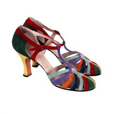 Vintage Shoes Colorful-Rainbow Suede Art-Deco Flapper Evening Shoes, suede with Louis heels. Vintage Outfits, Vintage Boots, Vintage Fashion, 1950s Fashion, Victorian Fashion, Art Deco Fashion, Fashion Shoes, Fashion Scarves, 1920s Shoes