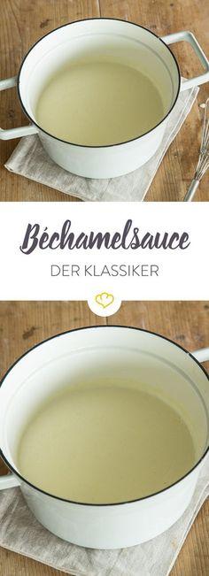Klassische Béchamelsauce lässt sich aus wenigen Grundzutaten vorbereiten und - zum Beispiel mit Käse, Speck und Zwiebeln - ganz leicht verfeinern.