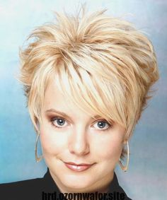 Short Straight Alternative Hairstyle - Light Golden Blonde Hair Color Really short spikey hair: Shor Short Straight Hair, Short Hair With Layers, Short Hair Cuts, Short Hair Styles, Short Pixie, Pixie Cuts, Thick Hair, Cute Hairstyles For Short Hair, Hairstyles For Round Faces