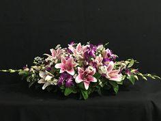 Funeral Floral Arrangements, Easter Flower Arrangements, Flower Arrangement Designs, Ikebana Flower Arrangement, Beautiful Flower Arrangements, Beautiful Flowers, Altar Flowers, Church Flowers, Funeral Flowers