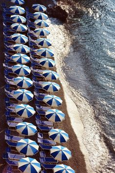 Travel Inspiration for Italy - Amalfi Coast. Oh The Places You'll Go, Places To Travel, Wanderlust Travel, Naples, Paradis Tropical, Beach Please, Parasol, Am Meer, Saint Tropez