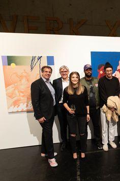 Herr Dr. Schrott - Vorstand Marketing und Verkauf (links außen) Herr Gratzer - Vorstand Produktion und Technik  (2. Reihe links) gemeinsam mit KünstlerInnen Polaroid Film, Marketing, Scrap