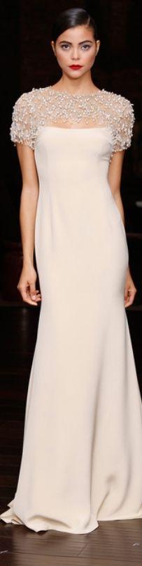 Naeem Khan Resort 2014 so elegant.i wish i had somewhere to wear this Look Fashion, Fashion Show, Fashion Design, Beautiful Gowns, Beautiful Outfits, Gorgeous Dress, Bridal Gowns, Wedding Dresses, Bridesmaid Dresses