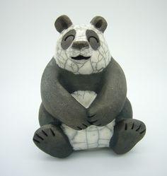 Panda assis technique cuisson raku : Sculptures, gravures, statues par kerzouzouille