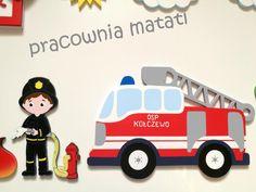 Drewniana dekoracja dla małego miłośnika straży pożarnej