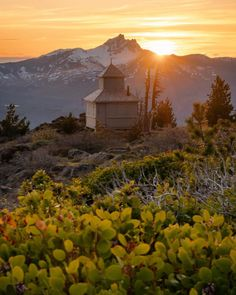 From jagged peaks to remote mountain tops and high elevation lakes, Oregonians are lucky to have so many mountains to explore. Monument Valley, Oregon, Road Trip, Mountains, Lakes, Remote, Explore, Sunset, Beautiful