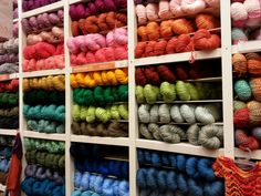 De compras en casas de hilos y lanas en Buenos Aires
