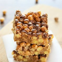 Reese's Puffs Treats - easy no bake peanut and chocolate marshmallow cereal squares that are gooey, crunchy, and yummy!
