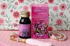 Сладкий запах цветов фиалки известен десятилетиями. Целебные свойства масла фиалки от Hemani многочисленны.  Оно обладает слабительным, антисептическим и противогрибковым действием.  Оно эффективно в борьбе с прыщами и фурункулами.  Его также можно использовать в ароматерапии.  Оно помогает при лечении ангины.  Страна-производитель: Пакистан  Ингредиенты: Масло сладкого фиалки  Объем: 30 мл.  Хранить в прохладном и сухом месте.