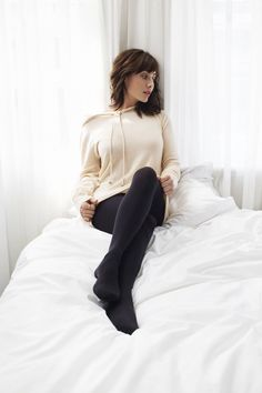Celebrity Legs and Feet in Tights: Natalie Imbruglia`s Legs and Feet in Tights-NO SHOES Nylons, In Pantyhose, Fashion Tights, Cozy Fashion, Tights Outfit, Pantyhose Fashion, Black Opaque Tights, Natalie Imbruglia, Wool Tights