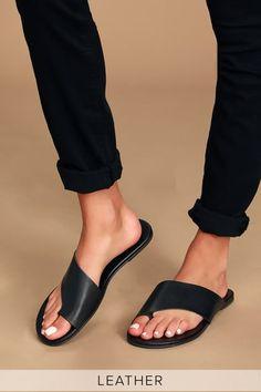 Black Leather Sandals, Black Sandals, Black Shoes, Gladiator Sandals, Black Pumps, Cute Sandals, Slide Sandals, Toe Loop Sandals, Beautiful Shoes