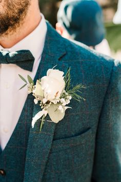 boho wedding Real Wedding Recap Marylise for a Lake District tipi wedding - Lindsay & Matt Tipi Wedding, Wedding Men, Wedding Groom, Floral Wedding, Dream Wedding, Vintage Wedding Suits, Bride Groom, Wedding Flowers, Groom Buttonholes