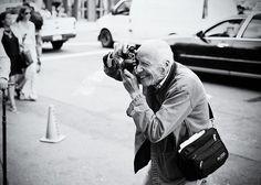 Bill Cunningham x NY Street Fashion photographer
