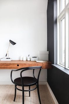 black accent wall in home office. / sfgirlbybayModern Cool Ways to Paint Walls 2018 Wall decor living room Wallpaper accent wall Wood accent wall Accent walls in living room Wood accent wall bedroom Bathroom accent wall Home Office Space, Home Office Design, Home Office Decor, House Design, Home Decor, Office Designs, Scandinavian Home Interiors, Living Room Scandinavian, Workspace Inspiration