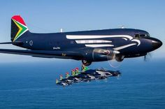 South African Air Force display team with Turboprop (SAAF Silver Falcons) Military Jets, Military Aircraft, Fighter Aircraft, Fighter Jets, South African Air Force, Douglas Aircraft, Pajero Sport, Aircraft Painting, Aircraft Pictures