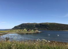 Ponoćno sunce na Nordkappu, najsjevernijoj točci Europe - Okusi.eu Kirkenes, Norway, Road Trip, Europe, Ocean, River, Outdoor, Outdoors, Road Trips