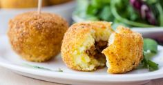 The Big Diabetes Lie- Recipes-Diet - Arancini farci à la viande hachée sans friteuse : www.fourchette-et. - Doctors at the International Council for Truth in Medicine are revealing the truth about diabetes that has been suppressed for over 21 years. No Salt Recipes, Veggie Recipes, Cooking Recipes, Yummy Recipes, Lactose Free Recipes, Sicilian Recipes, Cheat Meal, International Recipes, Relleno