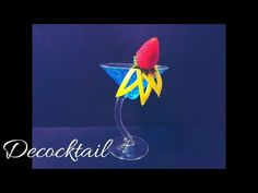 como decorar un coctel con limon y fresa en copa martini cocktail garnish - YouTube Cocktail Garnish, Beverages, Drinks, Decoration, Martini, Cocktails, Outdoor Decor, Youtube, Breakfast Nook
