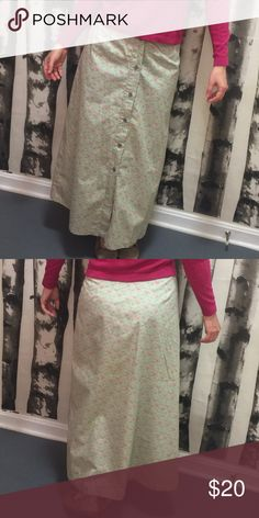 Calvin Klein Spring flower print mint long skirt/5 Calvin Klein long skirt, A-line and floral Sprig pattern.  100% cotton.  Metallic front buttons can open to allow for more flow. Calvin Klein Skirts A-Line or Full