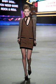 SIS by Spijkers en Spijkers - Herfst/Winter 2013-14 - Fashion Shows - VOGUE Nederland