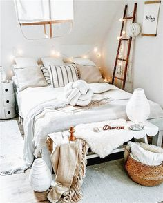 3 Brilliant Way to Recreate and Decorate Your Bedroom. 3 Brilliant Way to Recreate and Decorate Your Bedroom. Your bedroom is the ultimate place of retreat after a busy day. Decorating your bedroom doesn't have to be difficult and challenging. Cozy Bedroom, Bedroom Inspo, Bedroom Ideas, Design Bedroom, Bedroom Bed, Bedroom Inspiration, Bedroom Decor Boho, Night Bedroom, Cosy Room