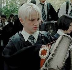 Draco Harry Potter, Mundo Harry Potter, Harry Potter Icons, Harry Potter Tumblr, Harry Potter Pictures, Harry Potter Characters, Fictional Characters, Tom Felton, Draco Malfoy Aesthetic