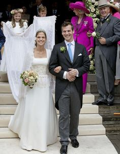 Princess Alix de Ligne married the Earl Guillaume de Dampierre in a lavish ceremony in Belgium yesterday royal looked radiant in an elegant ivory gown by Belgian designer Gérald W. Royal Wedding Gowns, Royal Weddings, Wedding Bride, Bridal Gowns, Wedding Dresses, Bride Dresses, Bride Groom, Adele, Royal Look