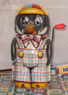 Vintage 1950's Tin Wind Up Toy Penguin Made in Japan.