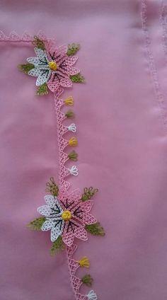 """meltem saraçoğlu on Instagram: """"Çiçek yaparken her çeşitini deneyen bi ben miyim. 😓 . . . . #salı #çiçek #cicek #emek #paylasım #paylas #destekol #begeni #reklam #tren…"""" Needle Lace, Medan, Bargello, Crochet Projects, Hand Embroidery, Elsa, Diy And Crafts, Knitting, Instagram"""