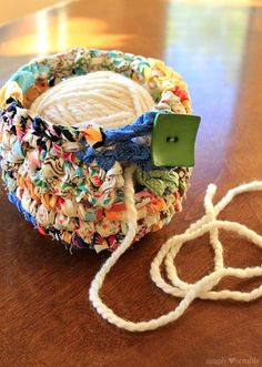 Such a clever idea to crochet a yarn bowl from fabric scraps (free pattern) Crochet Fabric, Fabric Yarn, Knit Or Crochet, Crochet Gifts, Crochet Stitches, Crochet Hooks, Crochet Patterns, Crochet Baskets, Scrap Fabric