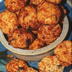 Rava Pakora (Indian Hushpuppies) on BigOven: Crunchy and spicy, these are wonderful party appetizers with a South Indian flair. Indian Appetizers, Indian Snacks, Appetizers For Party, Veggie Recipes, Indian Food Recipes, Great Recipes, Veggie Food, Rice Recipes, Vegetarian Recipes