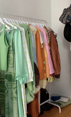 Style Feminin, Hanging Closet, Room Design Bedroom, Room Setup, New Wardrobe, Aesthetic Clothes, Room Inspiration, Just In Case, Decoration
