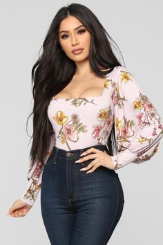 It's A Floral Dream Top - Lavender/Combo – Fashion Nova Classy Outfits, Sexy Outfits, Beautiful Outfits, Casual Outfits, Cute Outfits, Fashion Outfits, Curvy Girl Outfits, Elegantes Outfit, Fashion Nova Models