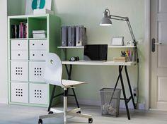 Stół LINNMON/LERBERG w aranżacji nowoczesnego biura domowego
