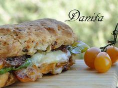 Tutto il sud in un panino by Danita - Pagina 1 Panini Sandwiches, Toast Sandwich, Healthy Sandwiches, Crepes, Salty Foods, Bruschetta, Street Food, Finger Foods, Bread Recipes