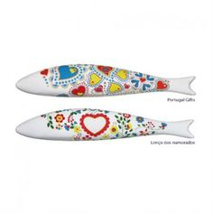 Sardine Clip Dispenser - Heart _ totally the portuguese mood One Fish Two Fish, Chabby Chic, Wood Fish, Clay Ornaments, Sewing Toys, Fish Art, Ceramic Mugs, Clay Jewelry, Portuguese