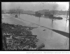 5-2-1910, la gare d'Orsay toujours envahie par les eaux [inondations de Paris, 7e arrondissement] : [photographie de presse] / [Agence Rol]
