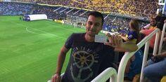 B1nı izleyen Özcüler ve Karaman, ikinci gün ise Boca Juniors-Gimnasia La Plata arasındaki karşılaşmayı da yerinde seyretti. Özcüler, Arjantin deki maçlarda da Türkiye deki bu gibi e-bilet uygulamasına aynı bir uygulamanın olduğunu belirterek, Hayatımda ilk defa maça gitmek için Passolig kart aldım. Türkiye de maç izlerim derken şansım yüzüme güldü ve harika bir seyahat kazandım. Futbolun en ciddi ülkelerinden biri olan Arjantin de maç izledim. Dünyanın en mühim takımlarından Boca Juniors ı…