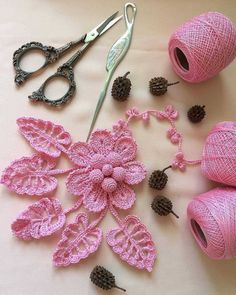 53 crochet flower patterns and what to do with them easy 2019 page 2 of 58 – Artofit 4 Beautiful Leaves to Crochet - SalvabraniI think that a model that is contrary to ordinary knitting flower motifs will do a lot of work. I think that this crochet can Crochet Puff Flower, Crochet Flower Tutorial, Crochet Leaves, Crochet Flowers, Crochet Bouquet, Freeform Crochet, Crochet Motif, Crochet Doilies, Thread Crochet