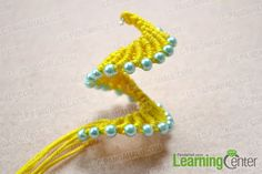 Make the basic pattern for knitted earrings