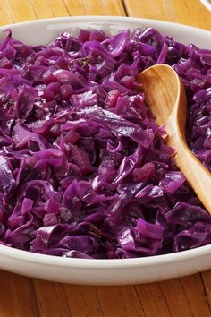 German Red Cabbage Recipe with apple cider vinegar, sugar, and butter. Vegetable Side Dishes, Vegetable Recipes, German Red Cabbage Recipes, Purple Cabbage Recipes, German Recipes, Polish Recipes, International Recipes, Side Dish Recipes, Food Dishes