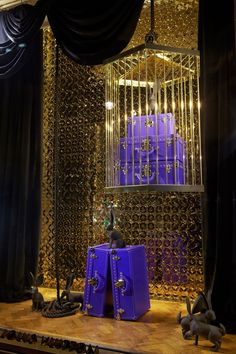 ♂ Commercial space retail store design visual merchandising window display - Louis Vuitton: Epi is Magic