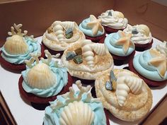 Beach Themed Cupcakes  The coral is fantastic! - Cait